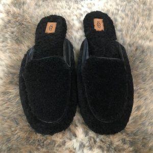 UGG Lane Fluff Loafers Slippers - Size 10 - Black